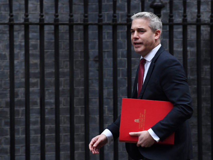 epa07292146 British Secretary of State for Exiting the European Union Stephen Barclay arrives at No. 10 Downing Street in London, Britain, 17 January 2019. British Prime Minister Theresa May is holding talks with the cabinet and party leaders over Brexit.  EPA-EFE/ANDY RAIN