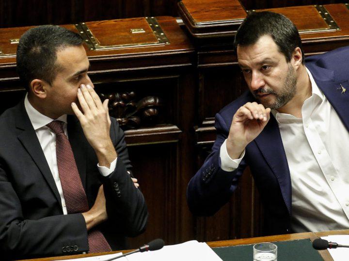 epa07367006 Italian Deputies Premier Matteo Salvini (R) and Luigi Di Maio during a Question Time at the Chamber of Deputies, in Rome, Italy, 13 February 2019.  EPA-EFE/FABIO FRUSTACI