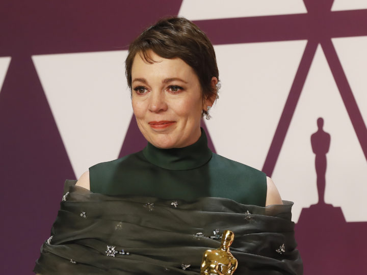 epa07395394 Olivia Colman holds her award for Actress in a Leading Role for 'The Favourite;' as she poses in the press room during the 91st annual Academy Awards ceremony at the Dolby Theatre in Hollywood, California, USA, 24 February 2019. The Oscars are presented for outstanding individual or collective efforts in 24 categories in filmmaking.  EPA-EFE/ETIENNE LAURENT