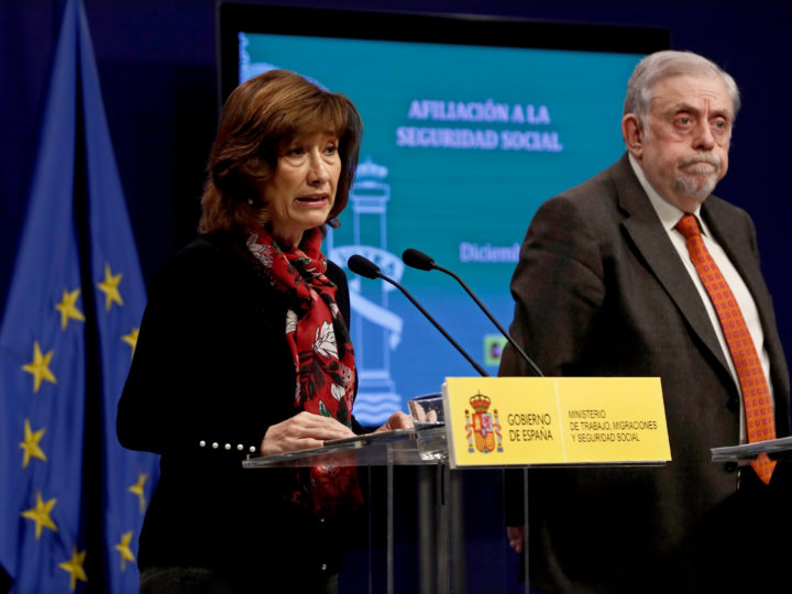 epa07259469 Secretary of State for Employment Yolanda Valdeolivas (L) and Secretary of State for Social Security Octavio Granados present the country's unemployment figures in Madrid, Spain, 03 January 2019. According to new data published by the Ministry of Employment, the number of unemployed dropped to 210,484 people in 2018, returning to lower figures as registered back in 2008. A total of 3,202,297 unemployed have been registered, the lowest in a decade with a total of 22.3 million new contracts signed during the year, a 3.7 percent more than in 2017.  EPA-EFE/MARISCAL