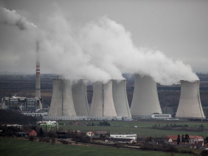 epa07223757 Steam escape from the chimneys of the 1000 megawatt coal-fired power plant Pocerady near Most, Czech Republic, 11 December 2018. According to an UN report, carbon dioxide (CO2) emissions have risen for the first time in four years. The United Nations COP24 Conference, which will take place in Poland until 14 December 2018, is struggling for a common position in the fight against climate change.  EPA-EFE/MARTIN DIVISEK
