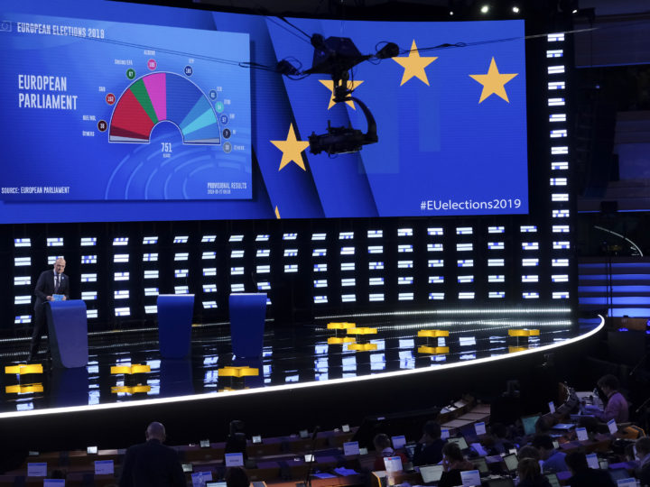 epa07604462 A First projections of seats at European Parliament based on 11 countries displayed in the hemicycle of European Parliament transformed into a giant TV studio, in Brussels, Belgium, 26 May 2019. The European Parliament election is held by member countries of the European Union (EU) from 23 to 26 May 2019.  EPA-EFE/OLIVIER HOSLET
