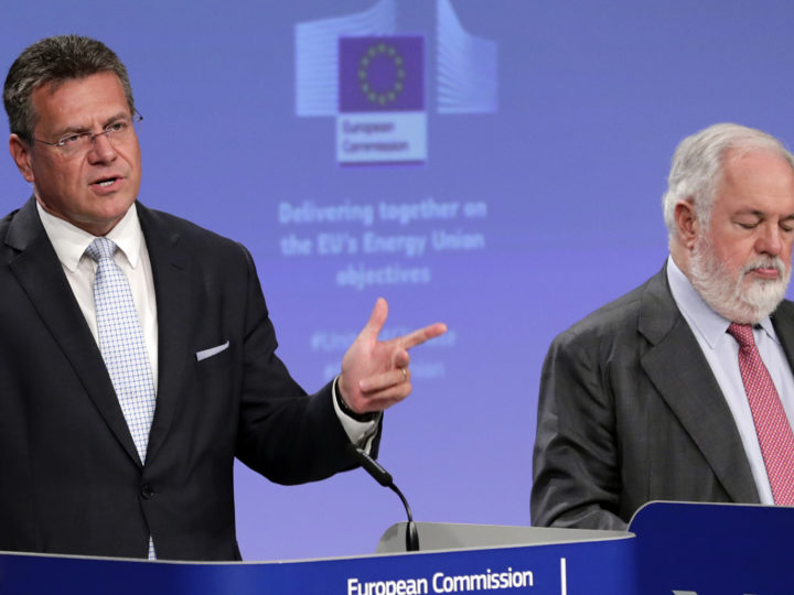 epa07655299 European Commission Vice-President  Maros Sefcovic (L) and European Commissioner for Climate Action and Energy, Miguel Arias Canete (R) give a press conference on National Energy and Climate plans covering the period 2010-2030 in Brussels, Belgium, 18 June 2019. The European Commission presented their assessment of EU member states' draft plans to implement Energy Union objectives, with focus on the agreed EU 2030 energy and climate targets.  EPA-EFE/OLIVIER HOSLET