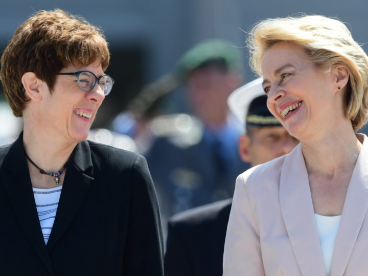 epaselect epa07721917 Outgoing German Defense Minister and newly elected European Commission President Ursula von der Leyen (R) and designated German Defense Minister Annegret Kramp-Karrenbauer during a inauguration ceremony with military honors at the Defense Ministry in Berlin, Germany, 17 July 2019. Outgoing German Defense Minister Ursula von der Leyen was elected as European Commission President on 16 July. She will be succeeded by Annegret Kramp-Karrenbauer.  EPA-EFE/CLEMENS BILAN