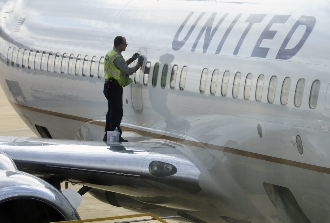 United begins pre-departure COVID tests
